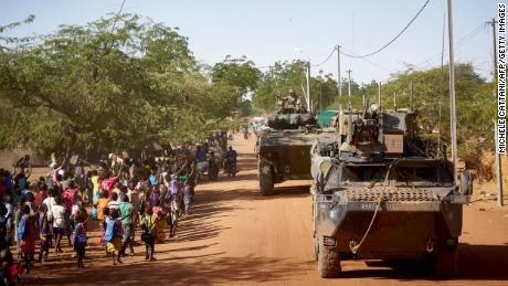 เด็ก 8 ล้านคนถูกบังคับให้ออกจากโรงเรียนเนื่องจากความรุนแรงเพิ่มขึ้นในแอฟริกาตะวันตก