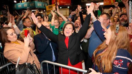 Шинн Фейн резко выросла на выборах в Ирландии. Вот почему это так противоречиво