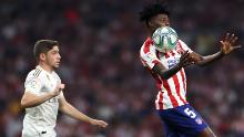 Federico Valverde of Real Madrid fights for the ball with Partey at Wanda Metropolitano on 28 September 2019.