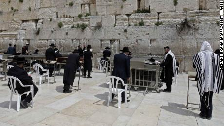 Jews attended a special prayer last Wednesday at the Western Wall for the end of the coronavirus pandemic while keeping a distance of two meters from one another.