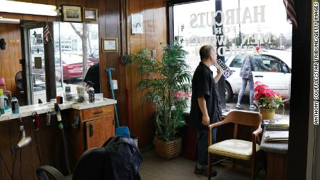 With hair salons and salons closed, many Americans self-medicate at home. Sales of hair clippers and hair coloring products increased. (Anthony Souffle / Star Tribune / Getty Images)