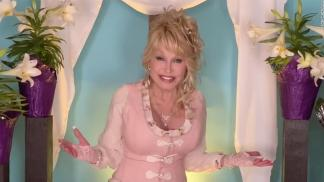 """WATCH: Dolly Parton Reminds Fans That 'the Kingdom of God is Within', Celebrates Easter With Solo Performance of """"He's Alive"""""""