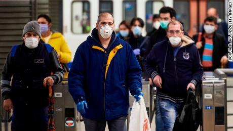 Hundreds of thousands return to work as Spain relaxes coronavirus lockdown