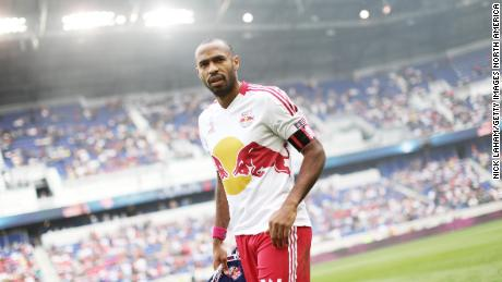 Henry scende in campo per la partita contro i Chicago Fire.