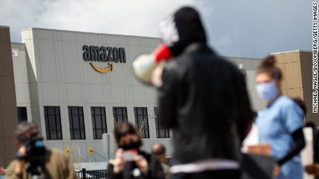 Amazon's vice president said he had resigned following the dismissal of the company's whistleblowers & # 39;