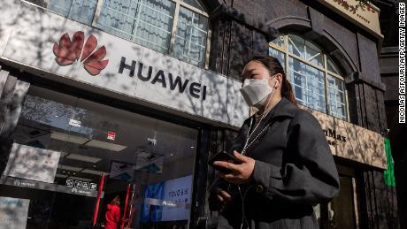 US pushes for further crackdown on Huawei, raising fears of retaliation against U.S. companies