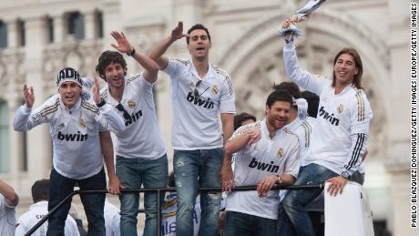 Il Real Madrid celebrare vincere La Liga nel 2012.