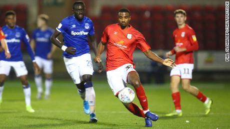 Cristiano Mbulu giocato nelle serie inferiori del calcio Inglese.