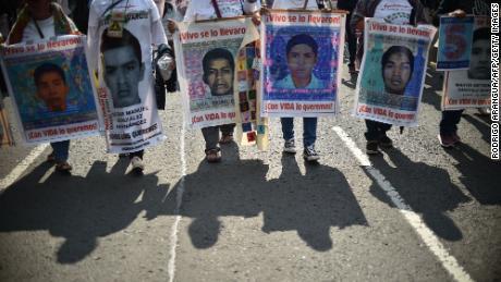 ยังคงระบุถึงหนึ่งในนักเรียน 43 คนที่หายตัวไปเมื่อห้าปีก่อน