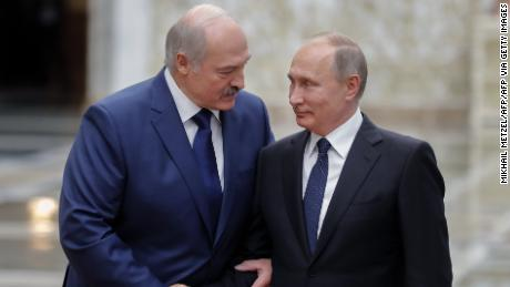 Belarusian leader calls on Putin to reaffirm mutual cooperation, later rejects foreign mediation offers