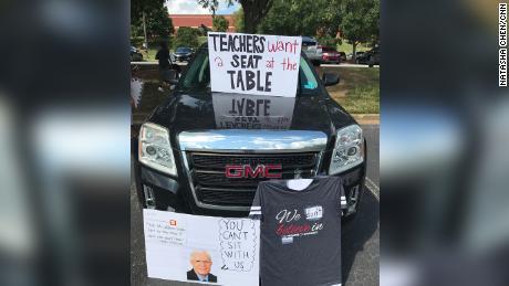 Georgia teachers honk their horns in protest against back to school