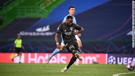 Moussa Dembéléทำประตูที่สองของลียง