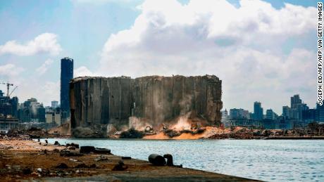 ประธานาธิบดีเลบานอนกล่าวว่าเป็นไปไม่ได้ & # 39;  สำหรับเขาที่จะลาออกหลังจากการระเบิดครั้งใหญ่ของเบรุต