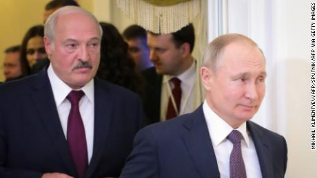 Putin faces tough choice on Belarus: How to sort out Lukashenko without giving ground
