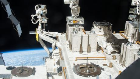 Bacteria on Earth can survive in space and could withstand the trip to Mars, new study finds