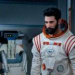 'Away' review: Hilary Swank stars in a Netflix mission-to-Mars drama that doesn't achieve liftoff