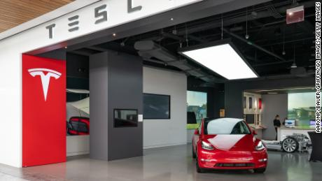 Tesla looks to raise $5 billion by selling more of its red-hot stock
