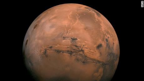 Elon Musk wants to colonize Mars. Is that profitable?