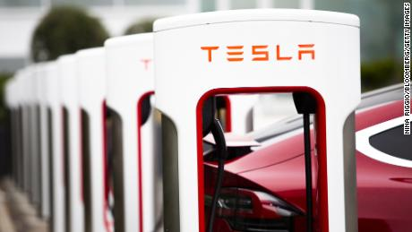 4 insane things just happened to Tesla