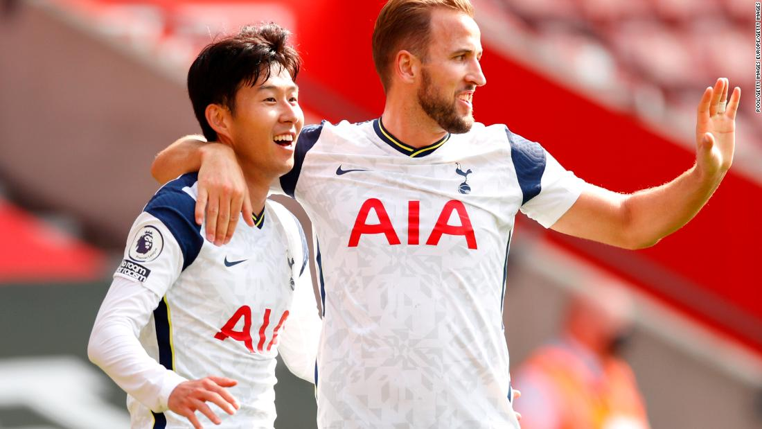Photo of Son Heung-min sends out message with four goals as Spurs rout Saints