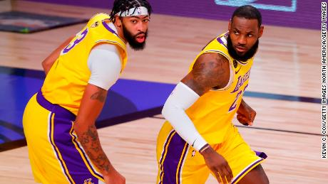 NB Davis (left) and LeBron James (right) combined for 59 points, 22 rebounds and 14 assists in Game 1 of the NBA Finals.