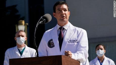 White House physician sows confusion with briefings