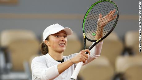 Swiatek avenged her heavy defeat by Halep at last year's French Open.