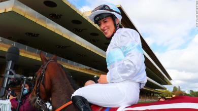 Jockey makes racing history and sends message to moms