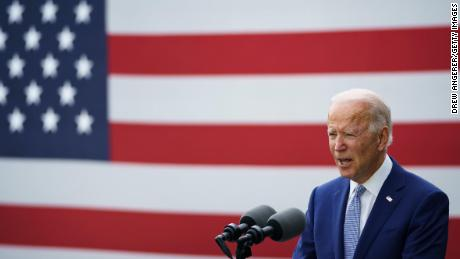 Rivalen im bahnbrechenden Gleichstellungsverfahren: Wir stimmen beide für Biden