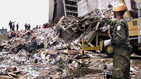 Al-Masri ถูกคิดอย่างกว้างขวางว่าเป็นสมองที่อยู่เบื้องหลังการโจมตีสถานทูตสหรัฐฯในไนโรบีเมื่อปี 1998