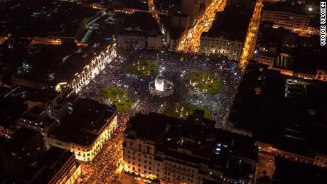 การประท้วงในจัตุรัส Plaza San Martin ของลิมาเมื่อวันที่ 14 พฤศจิกายน