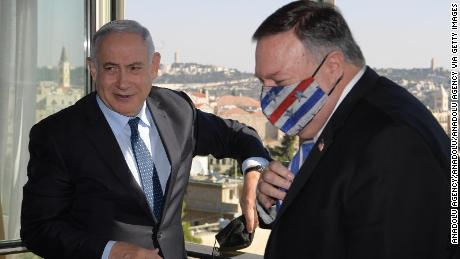 Netanyahu and former US Secretary of State Mike Pompeo in November.