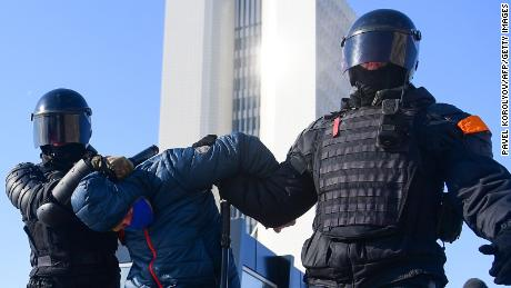 On Sunday, riot police detained a man during a rally in support of jailed opposition leader Alexei Navalny in the far eastern city of Vladivostok.
