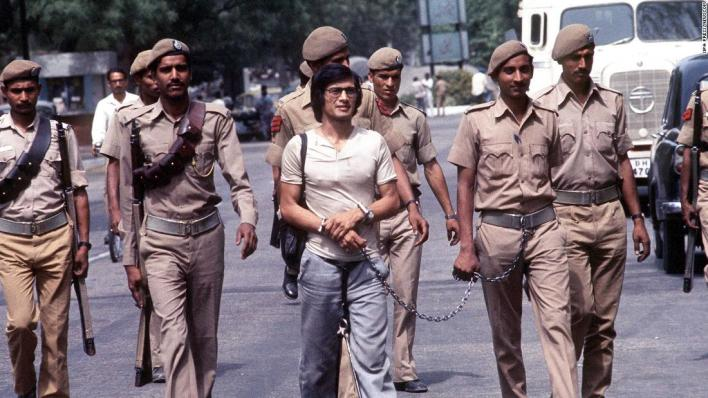 Sobhraj is led to Delhi's Tihar Prison in April 1977. He enjoyed special privileges behind bars, according to one of his jailers.