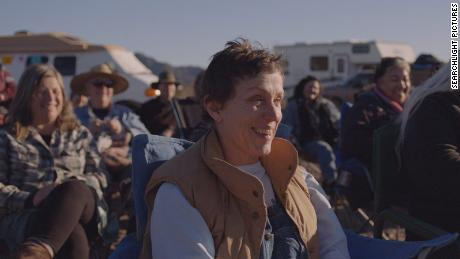 Francis McDormand's stars & quot;  Nomadland & quot;  (2020), directed by Chloe Zhao