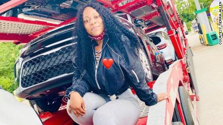 Tierra Allen shares what life on the road is like, and encourages other women to pursue trucking.