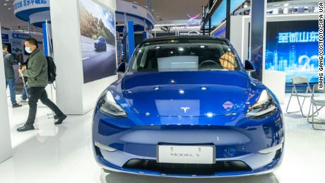 Protesters upstage Tesla at China's top auto show