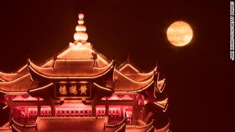 01 china super moon 0427 Wuhan