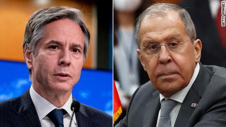 Blinken e Lavrov tengono la prima riunione ad alto livello della presidenza di Biden mentre le tensioni USA-Russia ribollono