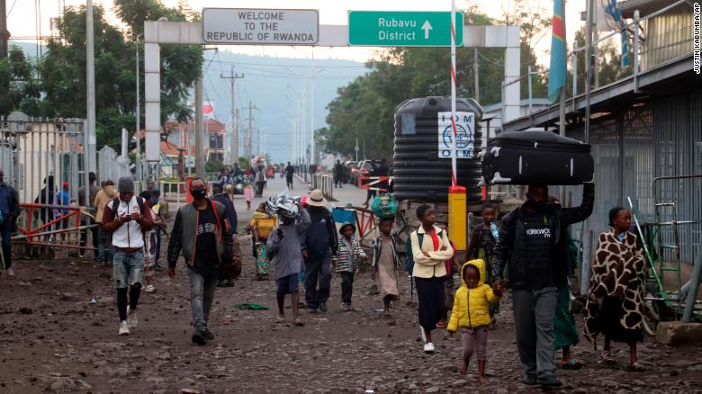 People fled to Rwanda during the overnight eruption of Mount Nyiragongo and returned to Goma, Congo in the early hours of Sunday.