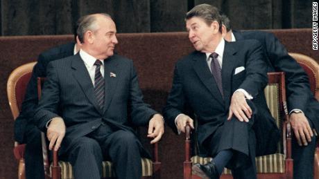 Gorbachev and Reagan in Geneva in 1985.