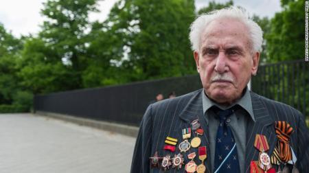 David Dushman, Last Surviving Soviet Soldier Who Helped Liberate Auschwitz, Dies at 98