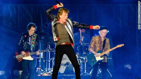 The Rolling Stones pay tribute to Charlie Watts as they finally begin their US tour