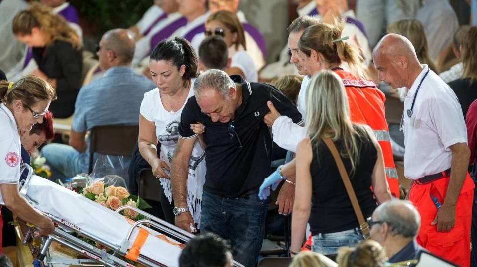 Σεισμός-Ιταλία: Παγκόσμια συγκίνηση από την τελετή για τα θύματα
