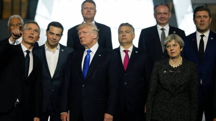 Διαδοχικές συναντήσεις Τσίπρα με ξένους ηγέτες στο περιθώριο της Συνόδου του ΝΑΤΟ
