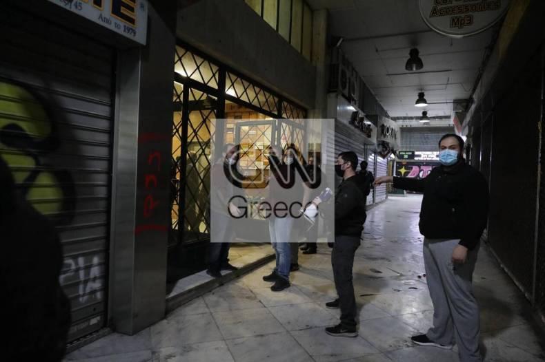 https://cdn.cnngreece.gr/media/news/2020/12/06/245787/photos/snapshot/astynomia---stoa.jpg