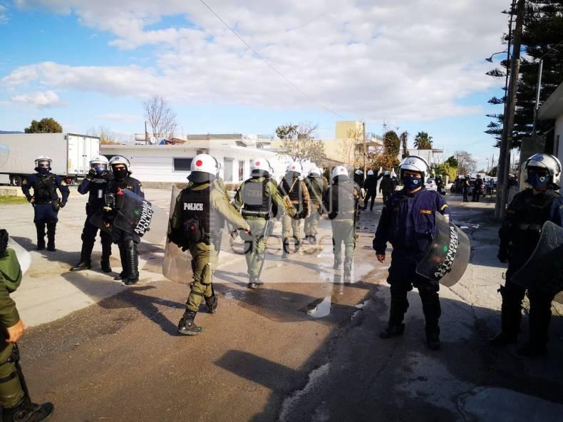 https://cdn.cnngreece.gr/media/news/2020/12/29/248636/photos/snapshot/pyrovolismoi-aspropyrgos-travmaties-6.jpg