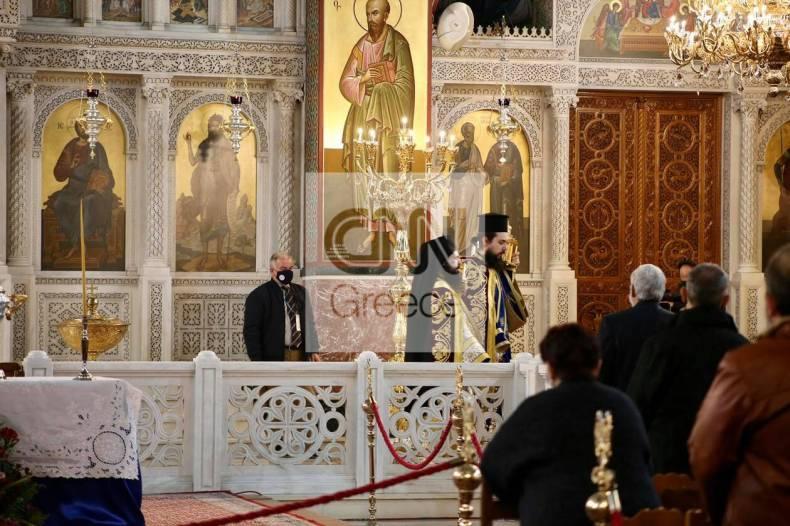 https://cdn.cnngreece.gr/media/news/2021/01/06/249522/photos/snapshot/mhtropolh-peiraia-theofaneia-2.jpg