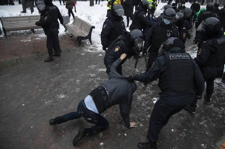 https://cdn.cnngreece.gr/media/news/2021/01/23/251756/photos/snapshot/RUSSIA-NAVALNY-7.jpg