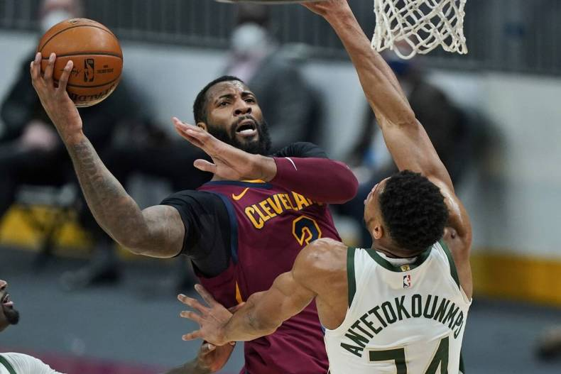 https://cdn.cnngreece.gr/media/news/2021/02/06/253449/photos/snapshot/Bucks-Cavaliers---nikh--antetokoynmpo-4.jpg